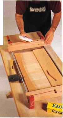 build wood futon frame wood futon frame plans   how to build furniture  rh   furnituremaking us
